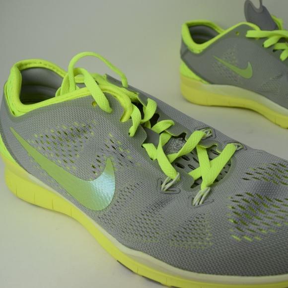 buy popular 0f869 4de5c Nike 5.0 TR Fit 5 Breathe Womens 718932-002 Grey V NWT